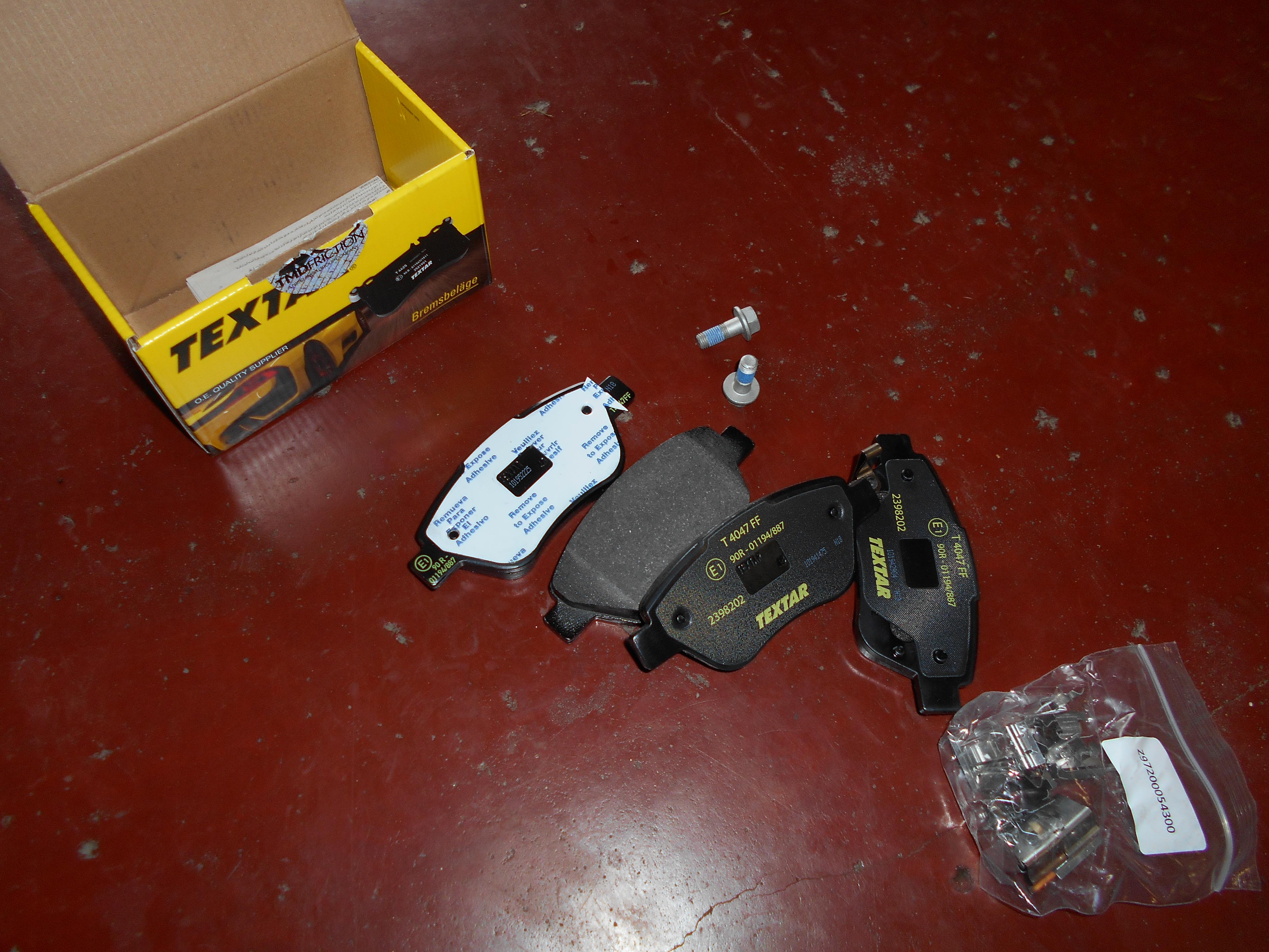 120€ Opel Corsa D remblokken voor incl plaatsing