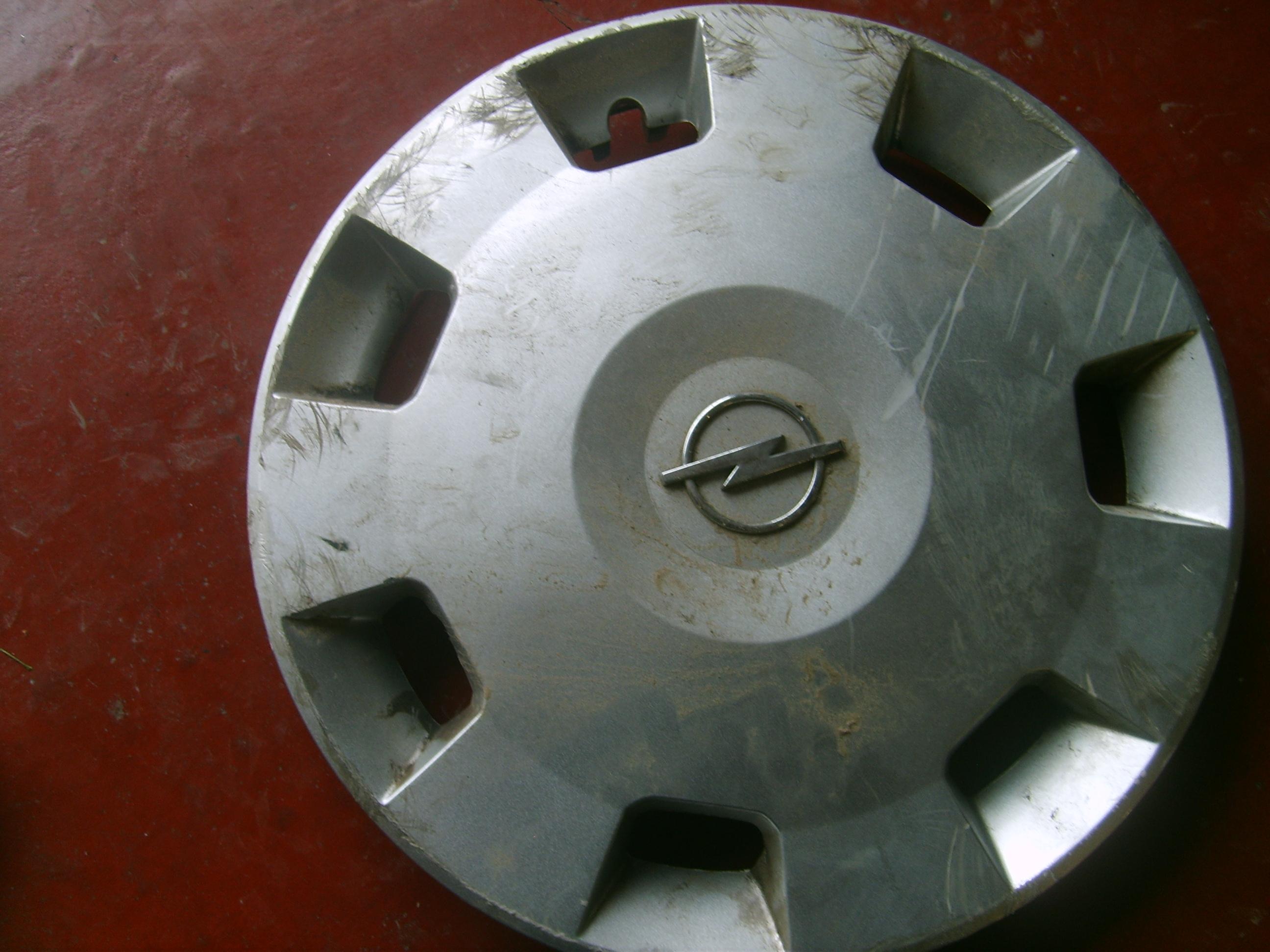 8.95€ Opel Corsa C wielschijf met schade