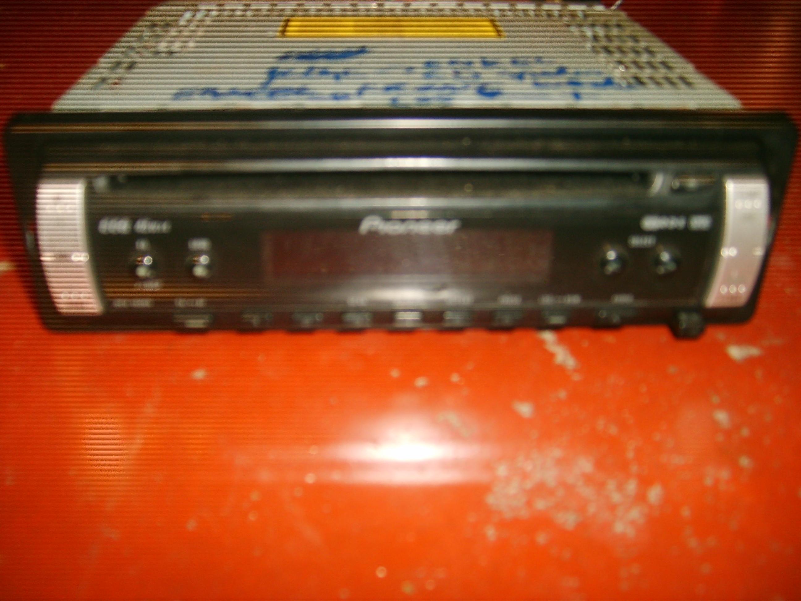15€ Autoradio Pioneer DEH-1800R