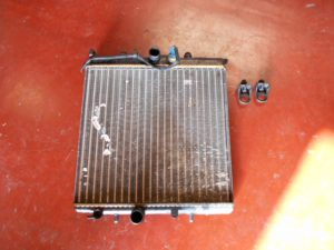 peugeot 206 1.1 benzine radiator koelwater 0000688 9628677880