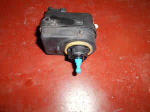 renault clio 2 koplampverstelling motortje electrisch p77 00415343 valeo.