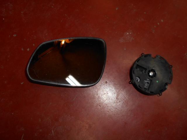 30€ Opel Karl spiegelglas en motortje links